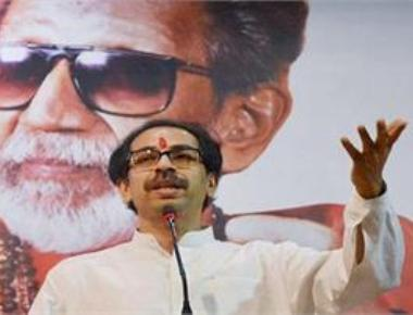 Uddhav mum on Fadnavis' attack; chides BJP over Ram temple