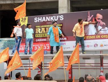 Sena workers tear banners promoting Rahat's concert