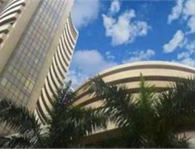 Sensex tanks 418 pts on global growth woes; Nifty below 7,400
