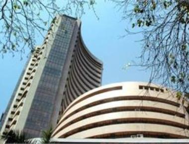 Sensex up 72 points in early trade on sustained buying