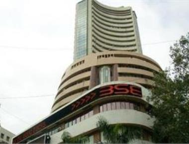 Sensex back on feet, recovers 26 points on renewed buying