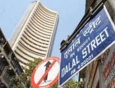 Sensex crashes 478 points, Nifty below 8,200-level