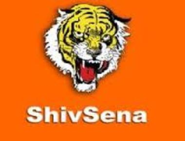 Sena fumes at Fadnavis's take on development vision