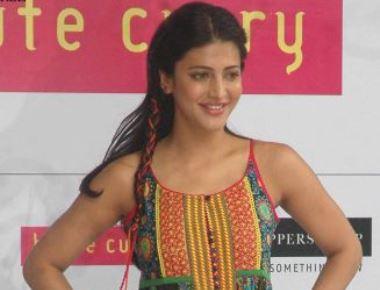 Shruti Haasan displays funky, yet Indian fashion