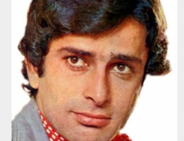 Bollywood Star Shashi Kapoor Passes away