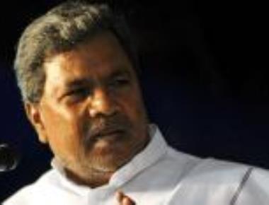 Will consider replacing Nijalingappa's statue, says Siddaramaiah
