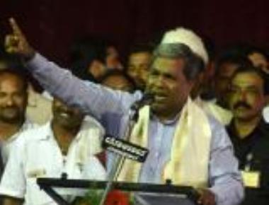 Modi govt a farce: CM