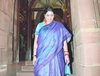 Smriti puts head where heart(land) is- Significance of sound and fury