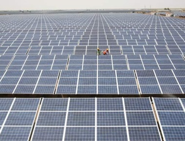 Solar power material converts 90 per cent of light into heat