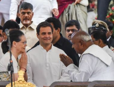 Ensure coalition runs smoothly, Sonia tells Congress legislators