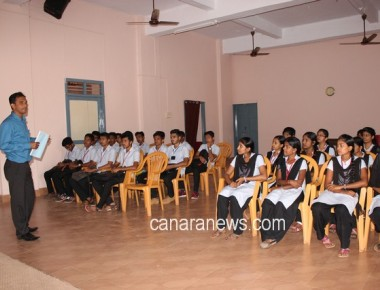 Training on preparation of Project Report at St Philomena College Puttur
