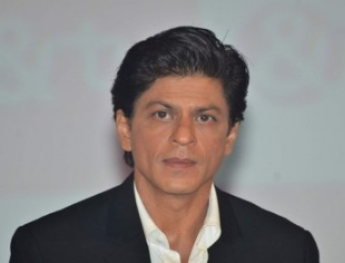 MCA lifts ban on Shah Rukh's entry to Wankhede Stadium