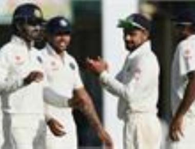 Sri Lanka labour to 154 for 5 after India fold for 600