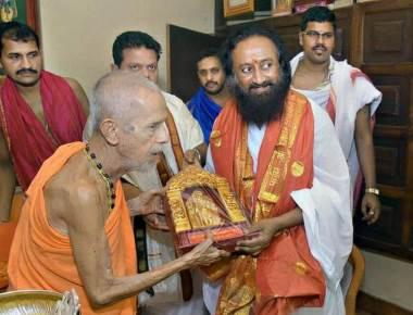 Talking to all stakeholders on Ayodhya issue: Sri Sri Ravi Shankar
