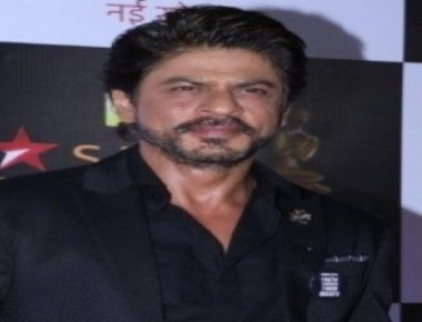 Ranbir finds SRK's charm 'very hard'
