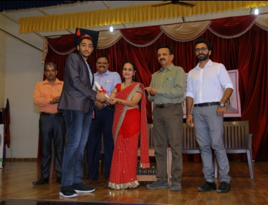 Srujana N felicitated at Expert's Graduation Day