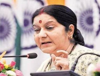 Sushma targets Meira Kumar using old video, news report