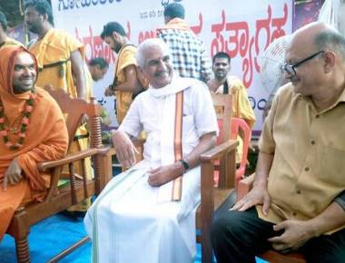 RSS leader Kalladka Prabhakar Bhat asks people to ignore model code of conduct