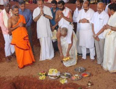 Foundation stones for the Sri Adishakthi Veerabhadra Brahmalinga Temple laid in Santhekatte