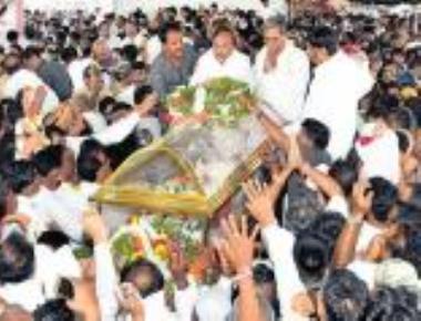 Thousands bid adieu to CM's son