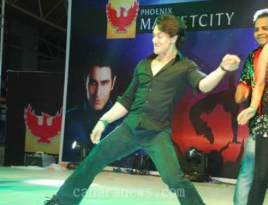 Actor Tiger Shroff performs at Sandip Soparrkar's second edition of India Dance Week with much fanfare