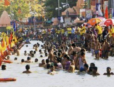 Seven dead as thunderstorm hits Kumbh mela site in Ujjain