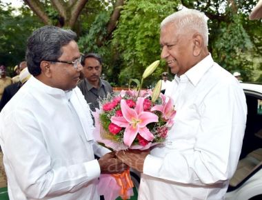 BJP, Congress in full strength as Vala takes over as Governor