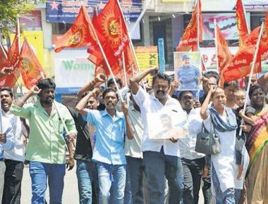 5 Karnataka vehicles vandalised in T.N.