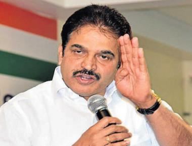 Bury hatchet to stay in power, Venugopal tells Congressmen