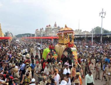 Weather gods kind on Vijayadasami processions; Thousands watch Jumboo Savari