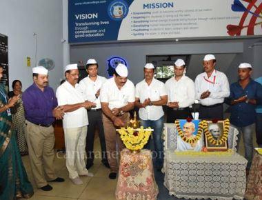 Vikas PU College observes Gandhi, Shastri jayanti