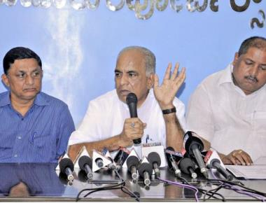'Yeddyurappa has no moral right to advise Congress on governance'