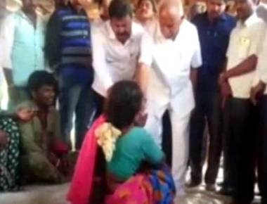 Ahead Of Karnataka By-Poll, BS Yeddyurappa Caught On Camera Giving Cash