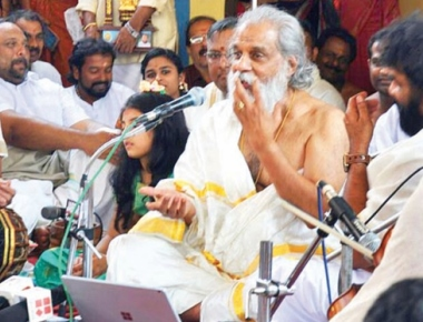 Yesudas mesmerizes gathering with his divine singing at Kollur shrine